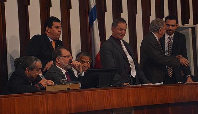 Apesar dos protestos da oposição, proposta que aumentou a alíquota do ICMS foi aprovada por maioria - Foto: Ascom Assembleia / Divulgação