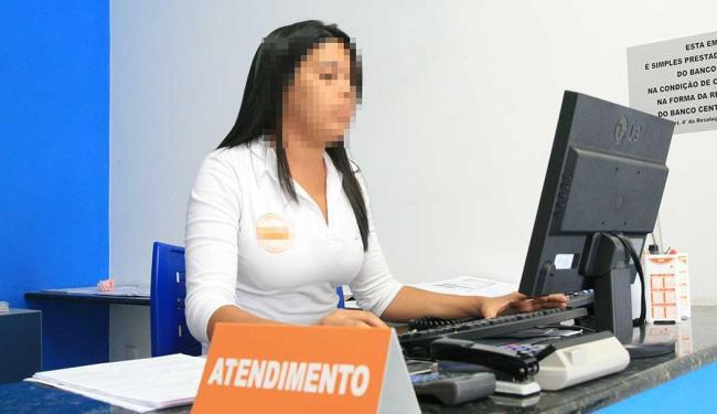 Função de recepcionista atendente está entre as vagas disponíveis - Foto: Foto: Valdenir Lima