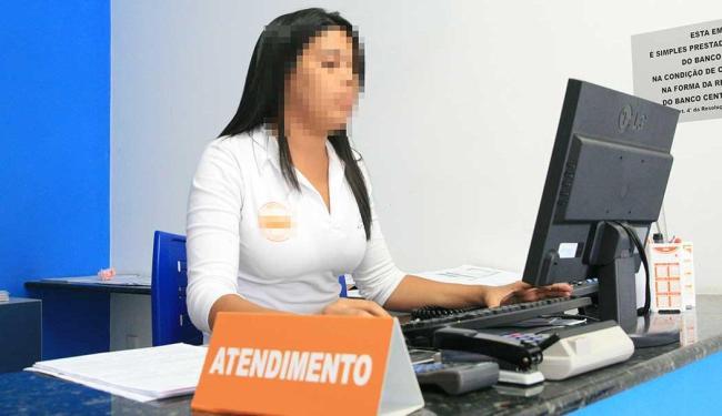 Função de recepcionista atendente está disponível com duas vagas - Foto: Foto: Valdenir Lima