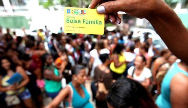 O procedimento do recadastramento do Bolsa Família é feito a cada dois anos - Foto: Edilson Lima / Ag. A TARDE