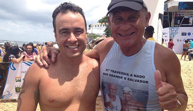 Bruno Riella, neto de Raimundo Guimarães, é prestigiado pelo tetracampeão Norio Ohata na chegada - Foto: Arquivo pessoal l Bruno Riella