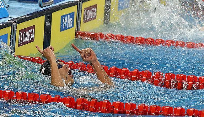 Cesar Cielo comemora a medalha de ouro no revezamento 4x50 m - Foto: Satiro Sodre l SSPress