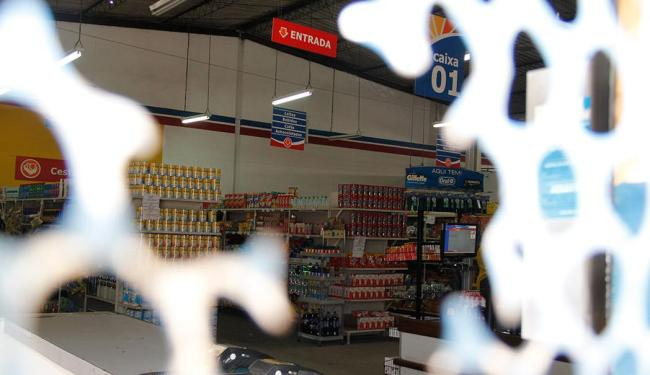 A Ebal, que controla as lojas da Cesta do Povo, tem um rombo acumulado de pelo menos R$ 381,8 mi - Foto: Joá Souza   Ag. A TARDE   30.01.2013