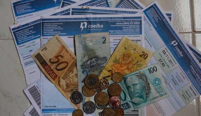 Dinheiro arrecadado com reajuste será usado para tapar o rombo das distribuidoras - Foto: Joá Souza | Ag. A TARDE