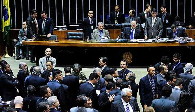 Parlamentares discutem a alteração do superávit proposta pelo governo - Foto: Laycer Tomaz | Câmara dos Deputados