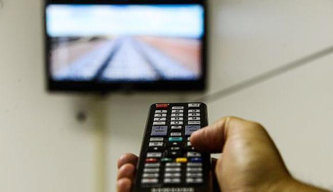 Brasileiros ficam mais de 4 horas por dia em frente à TV - Foto: Valter Campanato | Agência Brasil