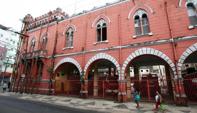 Fogo na unidade da Barroquinha já foi debelado - Foto: Arestides Baptista | Ag A TARDE | 24.11.2011
