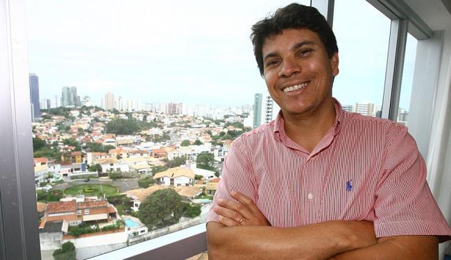 Para o corretor Crisnilson Cavalcante, o prêmio traz valorização para o profissional - Foto: Luciano da Matta | Ag. A TARDE | 28.6.2013