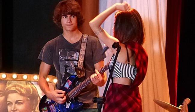 Vicky dá em cima de Pedro durante ensaio - Foto: Reprodução | GShow