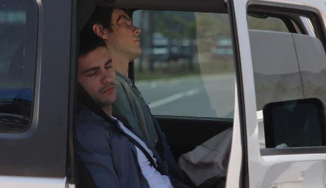 Caique e Gustavo sofrem acidente de carro - Foto: Reprodução | GShow