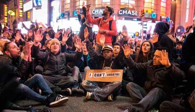 Júri popular de Staten Island decidiu na quarta-feira não indiciar policial envolvido - Foto: Agência Reuters