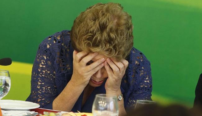 Jornalistas bombardearam Dilma com perguntas sobre a Petrobras - Foto: André Dusek   Estadão Conteúdo