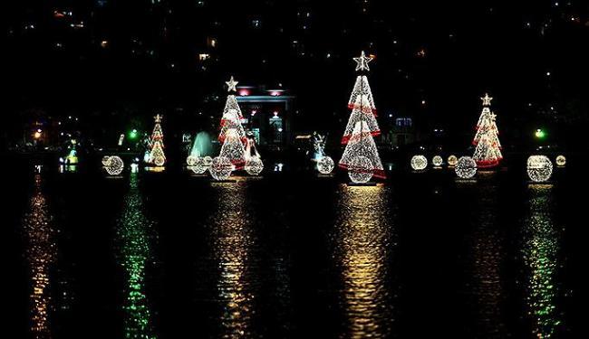 O Dique do Tororó é palco da apresentação natalina da capital baiana - Foto: Mila Cordeiro | Ag. A TARDE