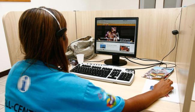 Função de operador de telemarketing contempla o maior número de ofertas, com 550 vagas - Foto: Claudionor Junior   Ag. A TARDE