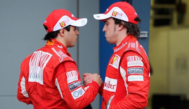 Massa e Alonso foram colegas de equipe entre 2010 e 2013 - Foto: Andrew Brownbill | AP Photo