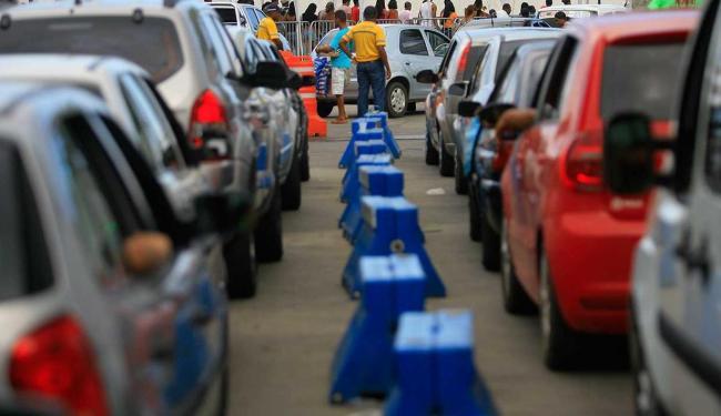Veículos esperam cerca de 2h, já para pedestres não há fila - Foto: Joa Souza | Ag. A TARDE