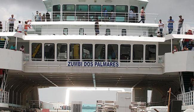 Mesmo com o fluxo intenso, não há atraso no embarque - Foto: Edilson Lima | Ag. A TARDE