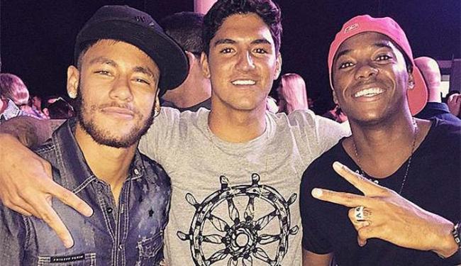 Gabriel Medina, Neymar e Robinho curtindo a noite em Santos - Foto: Instagram   Reprodução