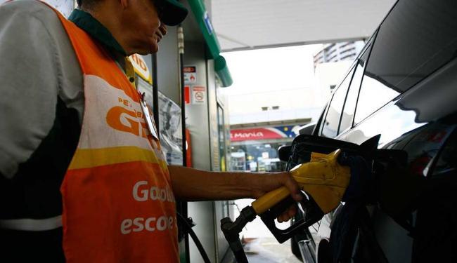 Pelas estimativas da Seinfra, o aumento para o consumidor será de R$ 0,06 - Foto: Joa Souza   Ag. A TARDE