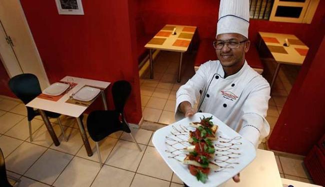Gerson Alves: toque baiano para a cozinha internacional - Foto: Raul Spinassé | Ag. A TARDE