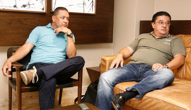 Helder Barata e João Melo, no Sheraton: