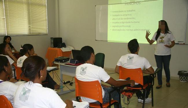 Empresa convoca os 152 candidatos aprovados em 2014 para contratações em janeiro de 2015 - Foto: Miriam Hermes | Ag. A TARDE