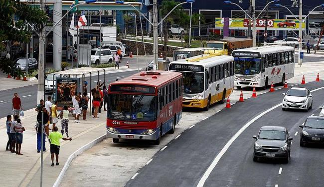 Os novos ônibus devem amenizar o tempo de espera por ônibus nas principais linhas - Foto: Fernando Vivas | Ag. A TARDE
