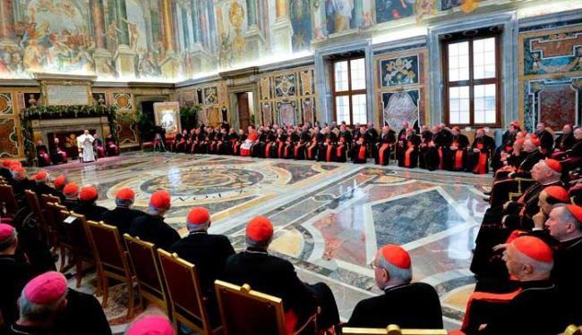 O discurso de Francisco foi recebido com aplausos mornos e poucos sorriam - Foto: Agência Reuters