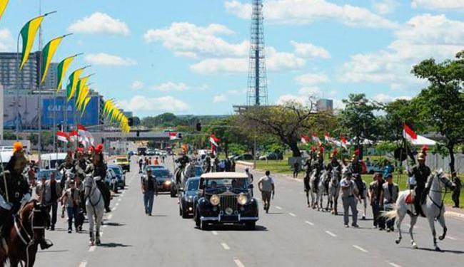 Rolls Royce que levará Dilma Rousseff fez neste domingo trajeto que percorrerá dia 1º - Foto: Elza Fiúza | Agência Brasil