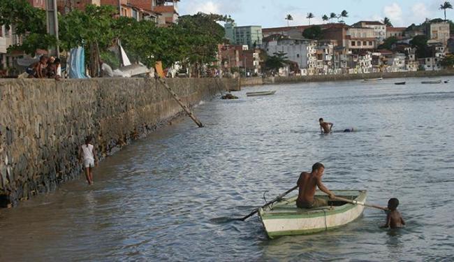 Entre as praias avaliadas, Pedra Furada é a única imprópria para banho - Foto: Margarida Neide | Ag. A TARDE | 04/07/2005