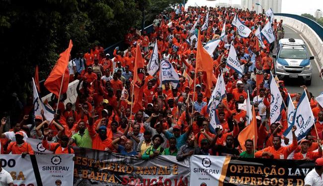 Demissões devem atingir mil operários até o fim do mês - Foto: Mila Cordeiro | Ag. A TARDE