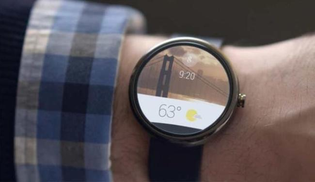 Relógios e pulseiras inteligentes foram algumas das novidades de 2014 - Foto: Divulgação