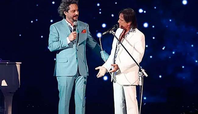 Alexandre Nero e Roberto Carlos cantaram