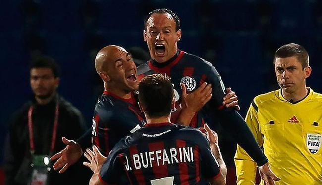 San Lorenzo sua, mas vai pegar o Real Madrid na decisão - Foto: Youssef Boudlal l Reuters