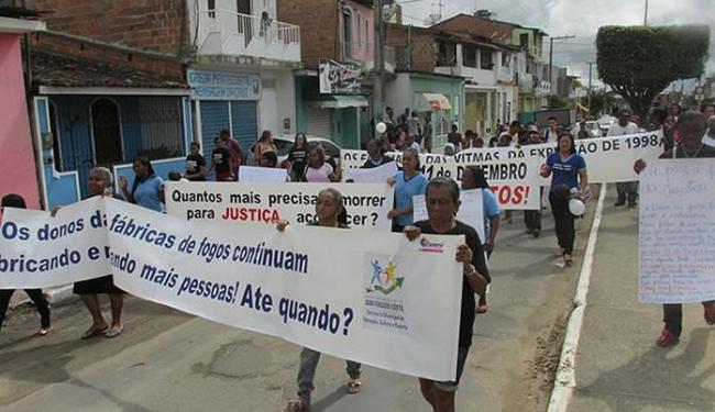 anifestantes exigem cumprimento de decisão judicial - Foto: Divulgação l MG Notícias