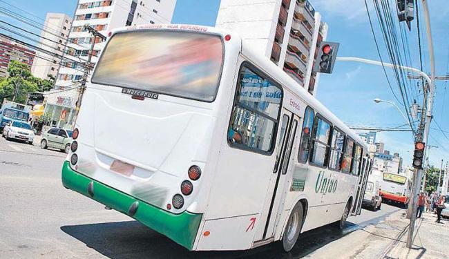 Semáforos sem temporizador contribui para que condutores sejam penalizados - Foto: Marco Aurélio Martins | Ag. A TARDE | 15.3.2012