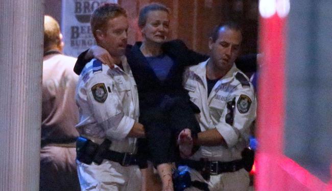 Marcia foi socorrida com ferimentos na perna - Foto: Agência Reuters