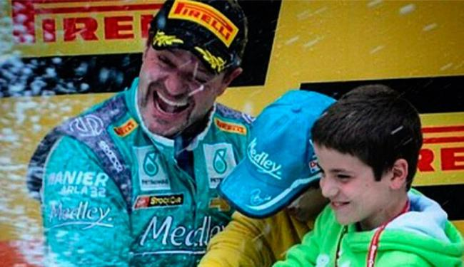 Líder da temporada,3º lugar foi suficiente para dar título a Barrichello - Foto: Reprodução | Tony Kanaan
