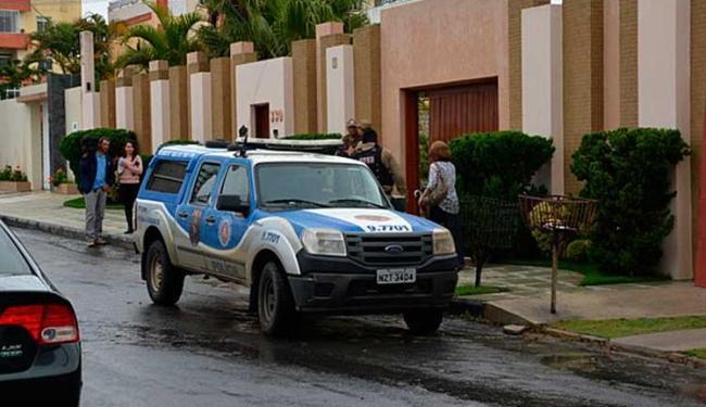 Médica foi abordada quando saía de casa - Foto: Blog do Anderson