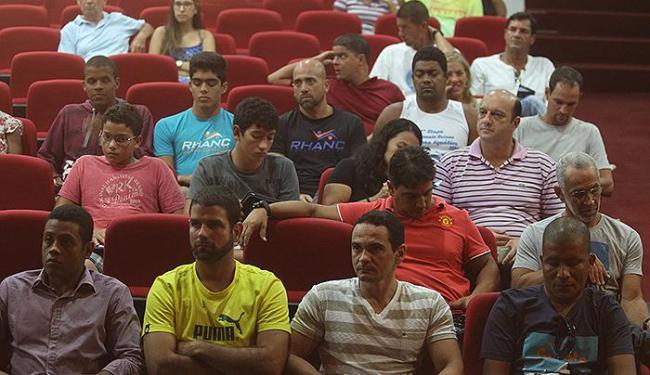 Nadadores e técnicos estiveram reunidos no Colégio Dom Bosco, na Paralela - Foto: Lucio Tavora | Ag. A TARDE