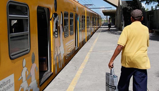 Dois trens operam normalmente das 6h às 20h - Foto: Joá Souza   Ag. A TARDE