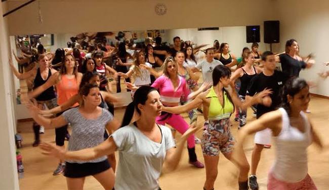 Zumba usa música latina e internacional em treino - Foto: Divulgação | Alpha Fitness