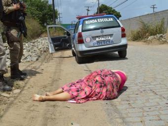 V|tima foi levada ao local em um carro e depois assassinada - Foto: Ed Santos | Acorda CIdade