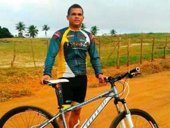 Vítima trafegava de bicicleta quando foi atingido - Foto: Reprodução: Acorda Cidade