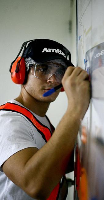 Ambev oferece vagas para estágio para estudantes de qualquer curso universitário - Foto: Thiago Teixeira | Ag. A TARDE