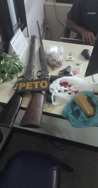 Polícia apreendeu armas e drogas em posse dos suspeitos - Foto: Divulgação | PM-BA