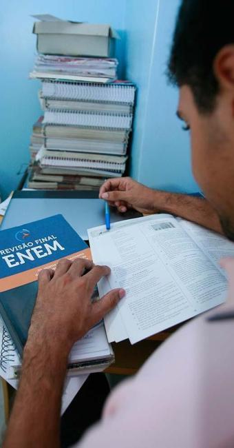 Vagas do Sisu levam em conta as notas do Enem - Foto: Joá Souza   Ag. A TARDE