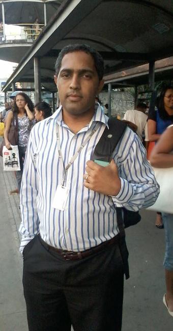 O usuário do transporte público Manoel Paim Neto está preocupado com a ameaça - Foto: Daniela Mazzei | Ag. A TARDE