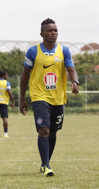 Lateral Pará pode ser negociado por meio de troca pelo volante Souza, do Cruzeiro - Foto: Edilson Lima | Ag. A TARDE