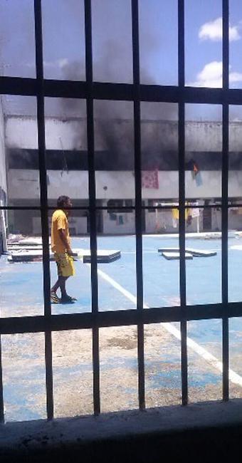 Detentos colocaram fogo em colchões; 13 ficaram feridos - Foto: Reprodução | Bahia Extremo Sul